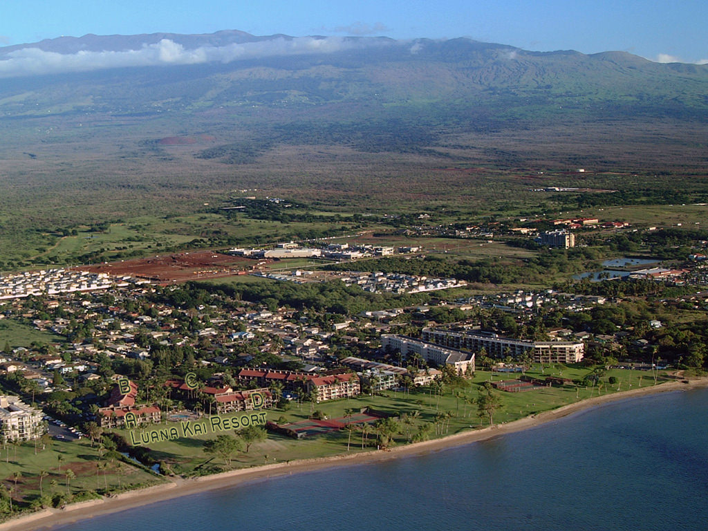 Luanakai buildings and Beach Park with Majestic Haleakala